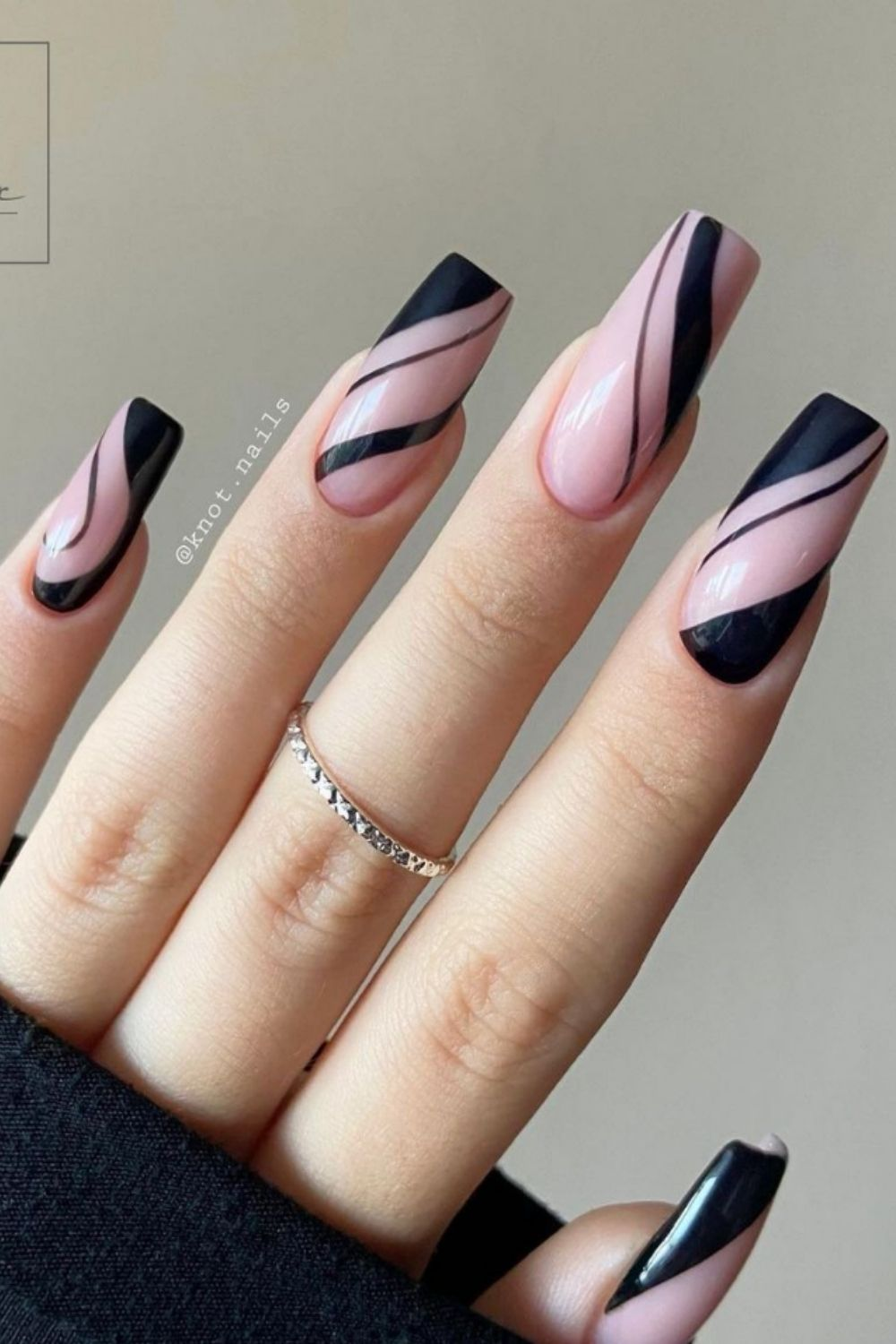 35 Awesome black nails to try in your next nail designs
